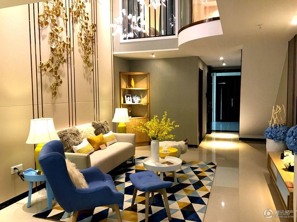 56㎡loft公寓板,5米层高,复式设计,空间利用率高.图片