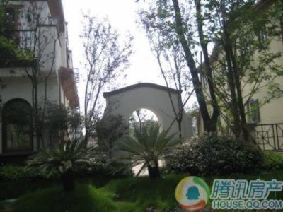 庆隆南山高尔夫国际社区柏翠庄